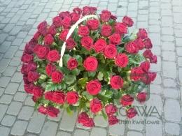 Kosz czerwonych róż